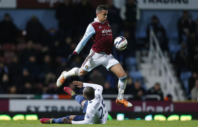 Sheffield United boss Chris Wilder says he has liked the look of Ravel Morrison since taking him on a pre-season trial.