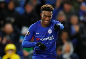 Chelsea manager Frank Lampard says he wants Callum Hudson-Odoi to sign a new contract and stay at Stamford Bridge.