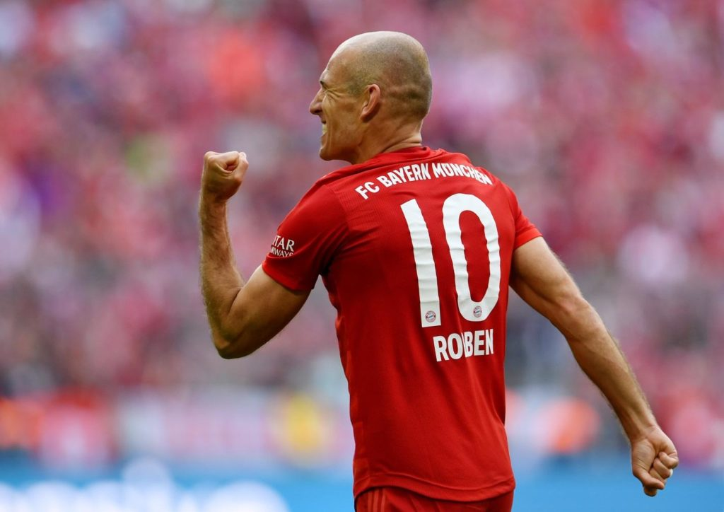 Netherlands winger Arjen Robben has confirmed his retirement from football after leaving Bayern Munich.