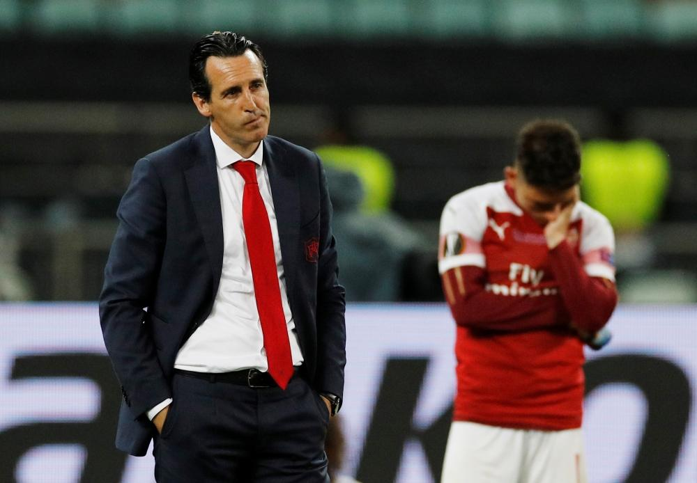 Unai Emery says Arsenal are working hard to sign new players but they will not panic and will wait for the right ones.
