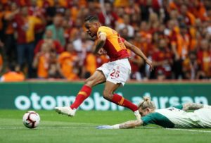Sevilla have reportedly agreed a four million euros deal to sign Galatasaray midfielder Fernando.