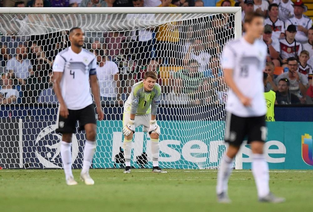 Schalke's Alexander Nubel has emerged as a potential summer transfer target for Bundesliga champions Bayern Munich.