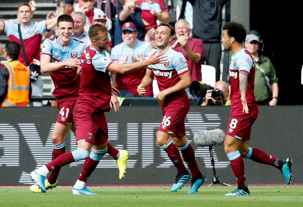 West Ham extended their winning run to three games in all competitions courtesy of a 2-0 victory over Norwich