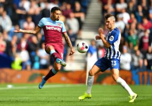 """Manuel Lanzini said it was """"an easy decision"""" for him to sign a new contract to keep him at West Ham until summer 2023 because he loves the club."""
