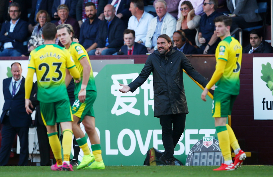 Norwich are sweating on the fitness of Alex Tettey after he picked up a thigh strain in the defeat at Burnley on Saturday.