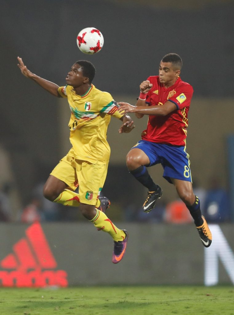 Fulham and Juventus scouts saw Lens' Ligue 2 win over Chateauroux on Monday amid claims in France that the clubs were watching midfielder Cheick Doucoure.