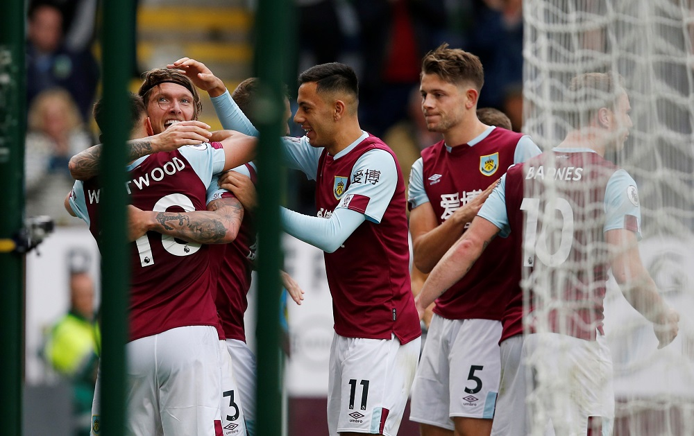 Jeff Hendrick scored the only goal of the game as Burnley won 1-0 at Turf Moor to condemn 10-man Everton to a fourth straight Premier League defeat.