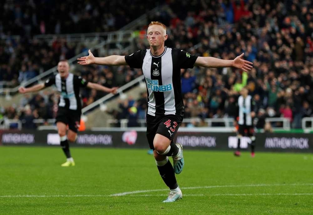 Matt Longstaff struck the winner for Newcastle in his first Premier League start as they heaped more pressure on a beleaguered Manchester United.