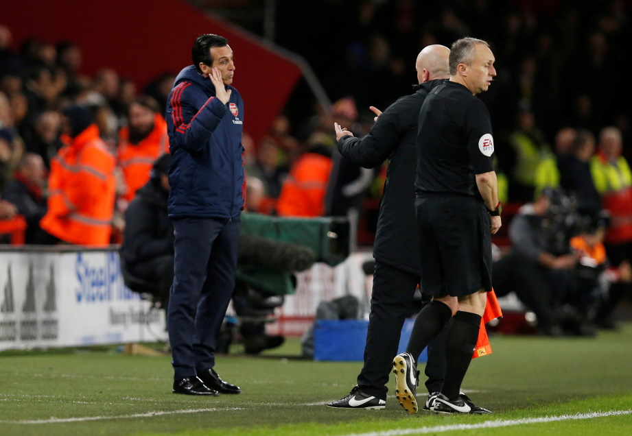 Arsenal boss Unai Emery was left to rue Nicolas Pepe's first-half miss as the Gunners slipped to a 1-0 defeat at Sheffield United.