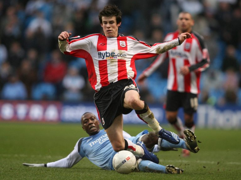 Soccer – FA Cup – Fourth Round – Manchester City v Southampton – The City of Manchester Stadium