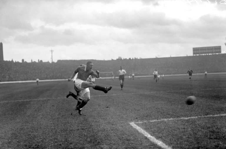 Alex Jackson in action for Chelsea