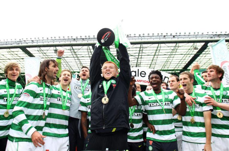 Neil Lennon lifts the SPL trophy