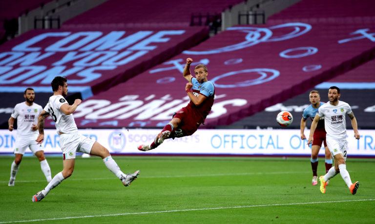 Tomas Soucek has an effort for West Ham